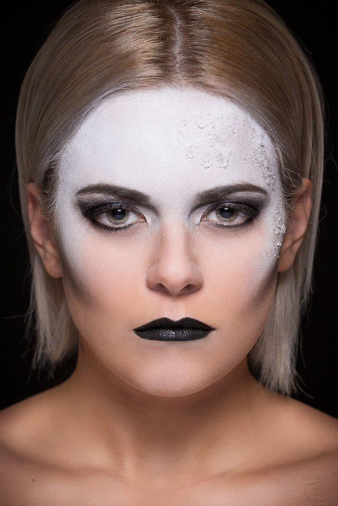 2018-07-01-Makeup-1-31-Modifier-Modifier.jpg